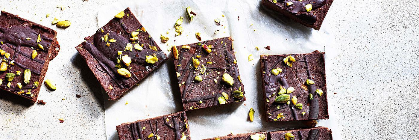 Chocolate, peanut butter and chickpea fridge bars