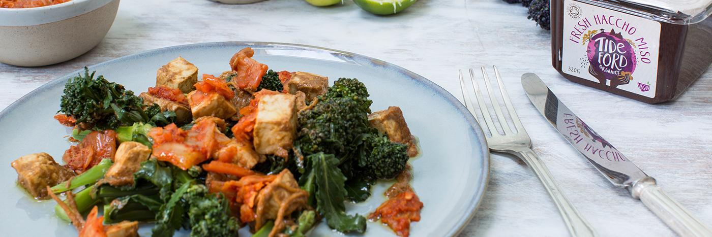 Marinated tofu with broccoli + kimchi
