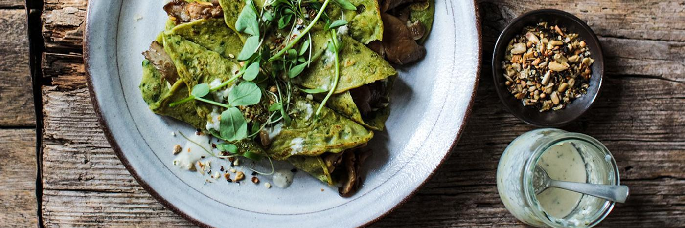 Spinach crêpes with mushrooms
